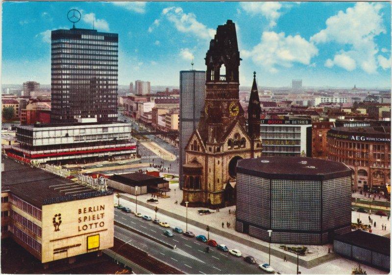 > Eglise du souvenir à Berlin dans les années 70.