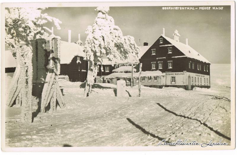 Oberwiesenthal Erzgebirge Neues Haus im Winter Foto
